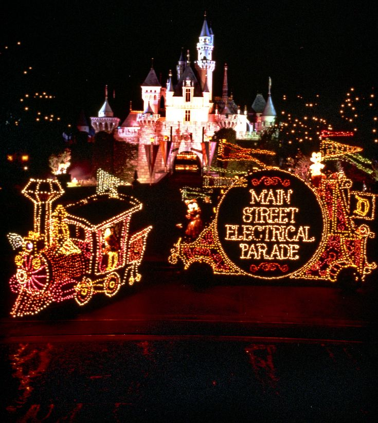 Main Street Electrical Parade Coming to Disneyland Park for a Limited Time; Last Chance to 'Paint the Night' | Disney Parks Blog