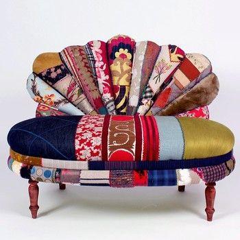 「孔雀」の名にふさわしい、華のあるソファ。 色・柄の組み合わせは無限です。