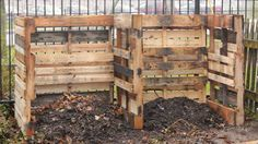 pallet compost bins! This is genius!