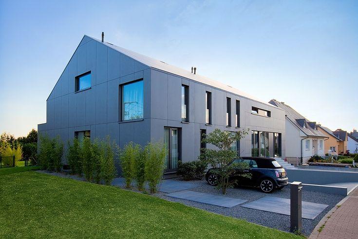 2 Row Houses In Goeblange / Metaform Architects