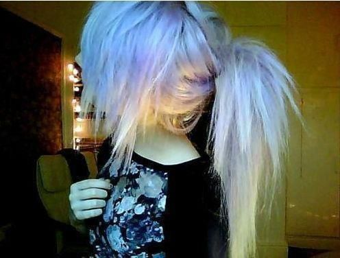 If only my hair stayed straight when i straighten it.-but omg i love her hair <3