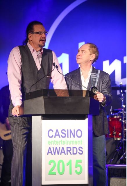 Photos: Penn & Teller Take Top Casino Entertainment Award at Global Gaming Expo