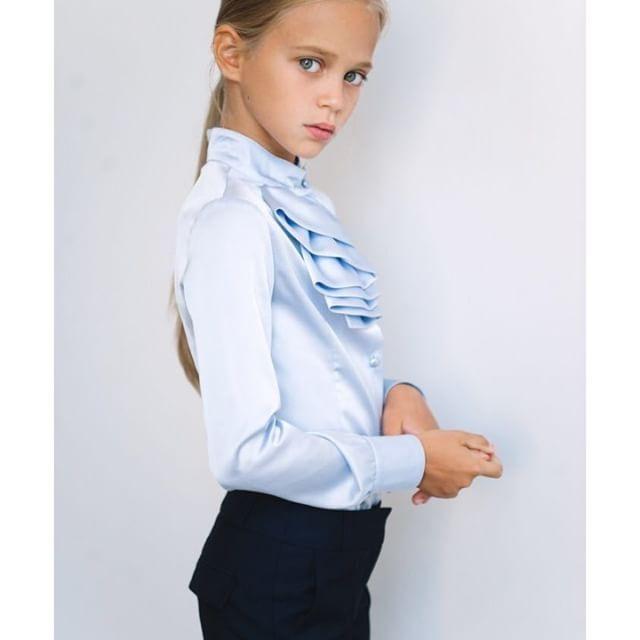 Еще немного красивых фото с нашей школьной коллекцией Silver Spoon в ленту:) Спасибо @alisasamsonova ❤️ Магазин рядом с вами: sv-spoon.ru/store (активная ссылка в профиле)  #silverspoonschool #silverspoonfashion #silverspoon #школа #школьнаяформа #школьнаямода #школьники #школьныйстиль #вещидляшколы #школьнаяжизнь #подростковаямода #школьнаяколлекция #подростки #школьныйкласс #одеждадляшколы #детскийфэшн #instamama #instadeti #инстадети #инстамамы #инстамамы #ямама #дети