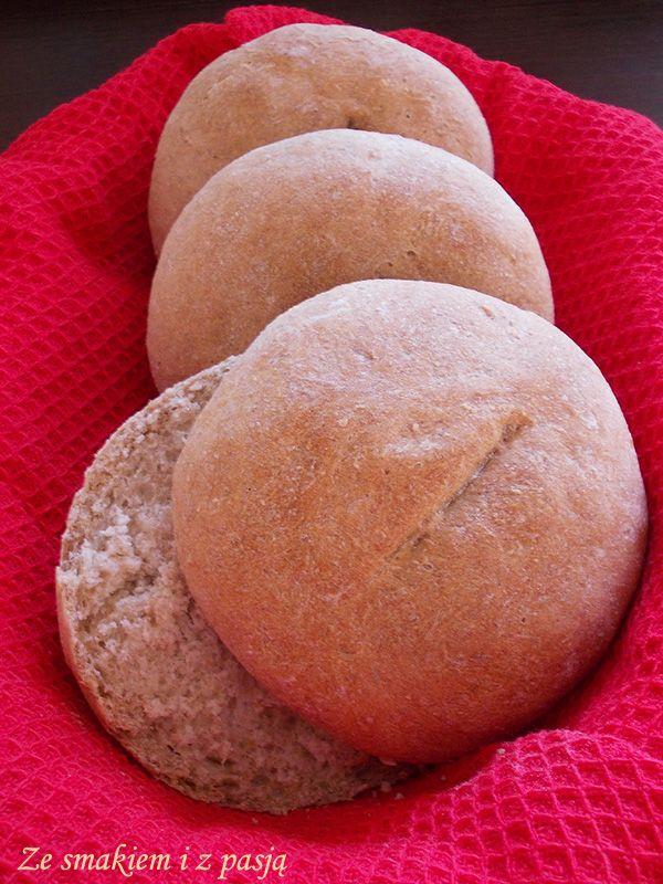 Ze smakiem i z pasją: Szybkie, proste bułki z mąką pełnoziarnistą