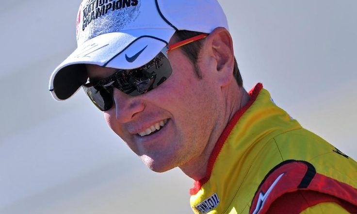 """Kurt Bush, az amerikai szériaautó bajnokság, a NASCAR (National Association for Stock Car Auto Racing) pilótája 2014-től a Stewart-Haas Racing versenyzője lesz. """"Ez az a helyzet, amiben minden versenyző szívesen lenne"""" – mondta Bush a FOX Sports-nak hétfőn. """"Ha egy ilyen csapattulajdonos, mint Gene Haas, felhív téged és arra kér, hogy nála versenyezz tudod, azt […]"""
