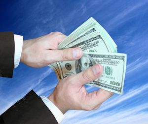 inversión colectiva - Instituciones de inversión colectiva se reúnen el aporte de una multitud de inversores e invierten conjuntamente en activos financieros (no financiera) de acuerdo con una estrategia preestablecida. El rendimiento de las inversiones (positivo o negativo) será determinado por la evolución del valor de estos activos.