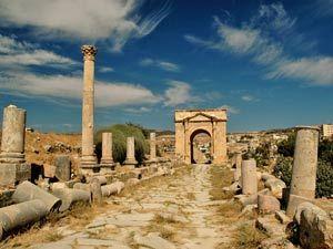 Seid der Geschichte auf den Spuren, erlebt & spürt sie hautnah an Ruinen von Jerash. #Jordanien #Jerash #Ruinen #erlebeFernreisen