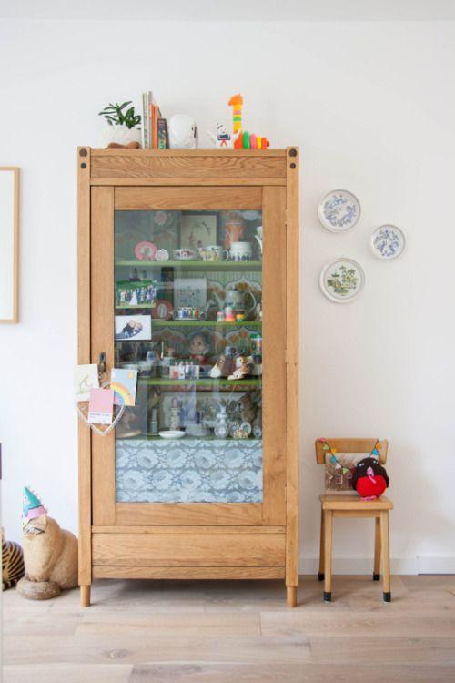 76 best Armoires images on Pinterest Antique furniture, Child room - peindre avant de tapisser