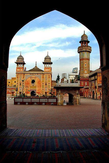 Wazir Khan Mosque in Lahore / Pakistan (by Naeem Rashid)