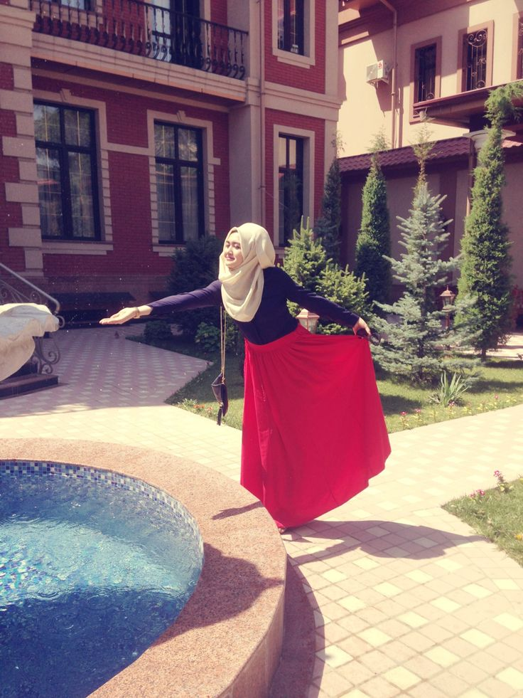 Hijab Fashion Red Skirt. Uzbechka From Instagram | Hijabs | Pinterest | Instagram Red Skirts ...