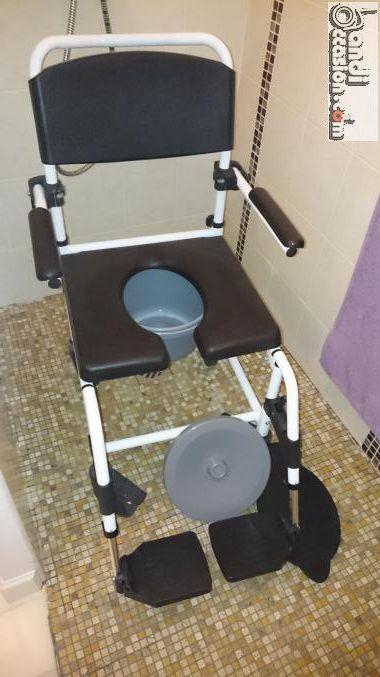 fauteuil roulant de douche annonces handi occasion pinterest fauteuil roulant petites. Black Bedroom Furniture Sets. Home Design Ideas