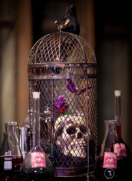 another centerpiece idea!!!  halloween wedding centerpieces tables | 31 Beautiful Halloween Wedding Centerpieces | Weddingomania