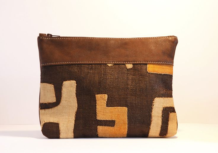 The Kinshasa Clutch - Large