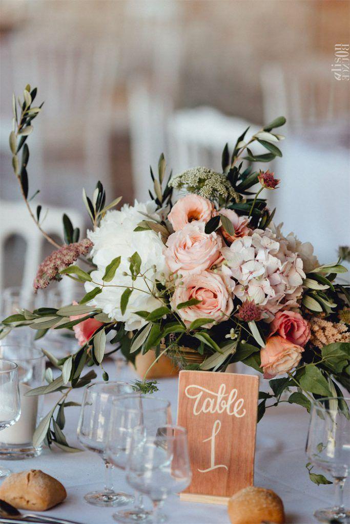 Bohemian Chic Hochzeit – Drôme | Fotograf: Alison Bounce Photography | Gib M …   – Wedding table decorations