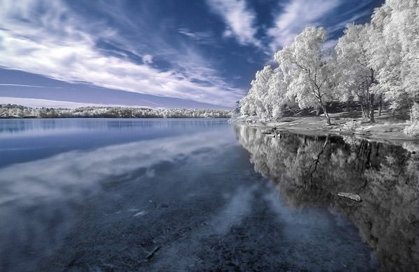 Snowy Lake--25 Breathtaking Examples Of Nature Photography