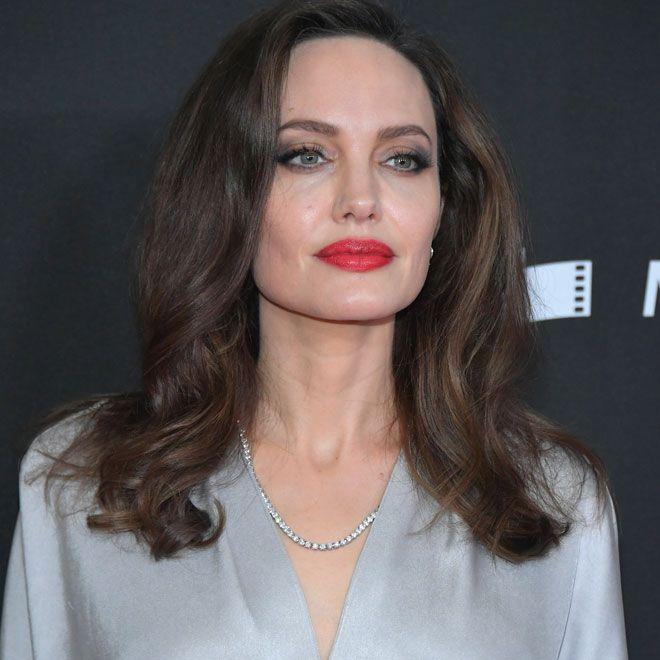 Uber 50 Operationen 19 Jahrige Will Wie Angelina Jolie Aussehen