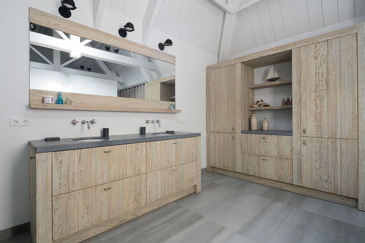 Sfeervol houten interieur met vergrijsd eiken - Tinello