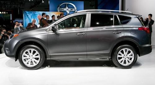 Toyota RAV4 vs. Subaru Forester vs. Mitsubishi Outlander (2012 L.A. Auto Show Coverage)