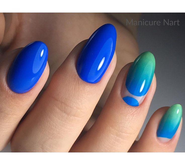 blue nail art inspo