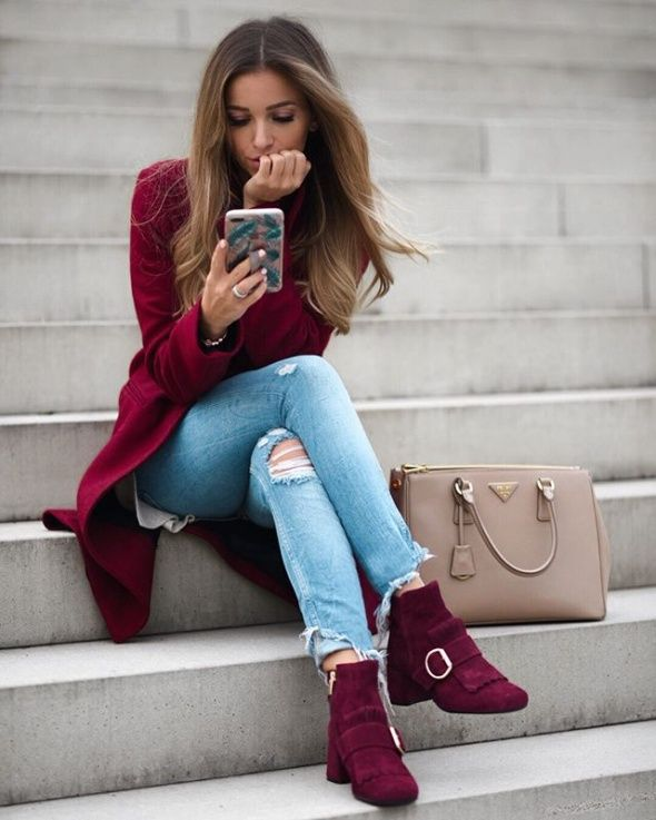 ootd / autumn / burgundy/ ripped jeans
