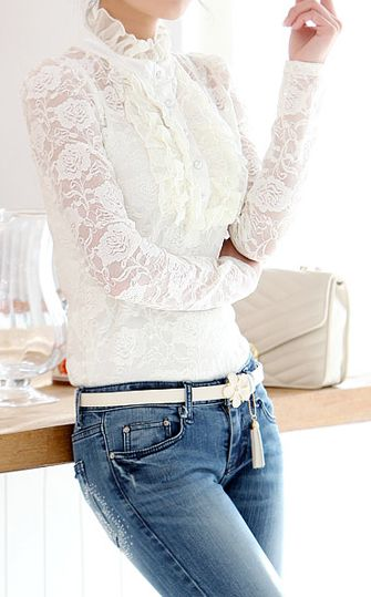 <3 WHITE LONG SLEEVE LACE BLOUSE