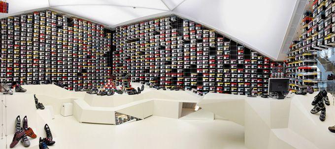 <3: Public Spaces Shops, Http Www Thecoolhunt Net, Madrid Spain, Hunters, Munich Zaragoza, Creative Shops, Boxes, Shoes Stores, Retail Shoes