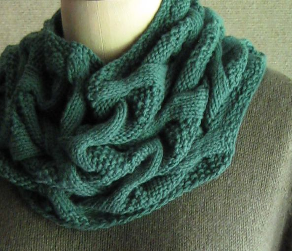 Knitting Cable Stitch In The Round : Bohemica...new cowl pattern from Carol Sunday. What I want to knit Pinter...