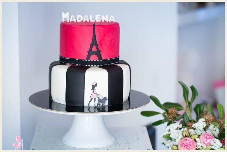 Mini diva in Paris theme party (cake design by Salgadoces featured in Era uma vez party) Read more: http://eraumavez-osonhoperfeito.blogspot.pt/2014/01/uma-pequena-diva-em-paris.html