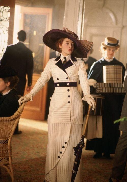 Kate Winslet as Rose DeWitt Bukaer in Titanic (1997).