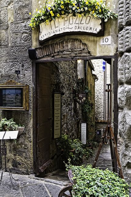 Cortona (II) by Mr.Bone, via Flickr