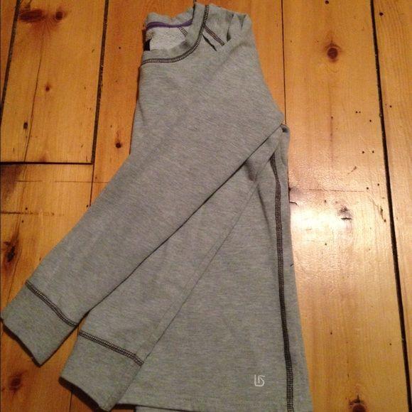 Women's Burton Pullover Great Condition! Purchased at the Burton sale in Burlington Vermont. Burton Tops Sweatshirts & Hoodies