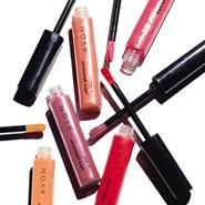 Ultra Glazewear Lip Gloss Moisturising gloss glides on with a visible burst of brilliant shine. Non-sticky, non-tacky. Won'€™t feather or bleed. 6 g