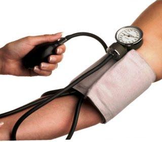 Info kesehatan:kebiasaan Baik untuk mengurangi tekanan darah tinggi Hipertensi (tekanan darah tinggi) yang asal tidak terdeteksi adalah suatu kondisi yang harus diobati pada waktunya. Selain obat, relaksasi, nutrisi yang tepat dan olahraga dapat membantu menurunkan tekanan darah.