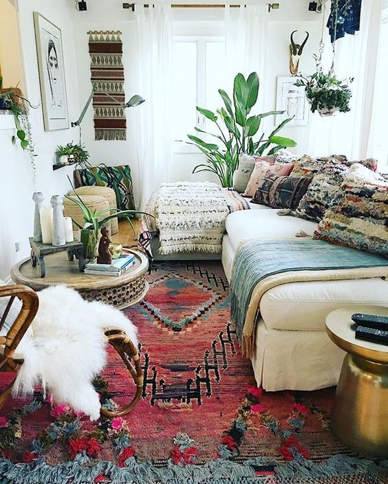 Bohemian Living Room Decorating Idea 10