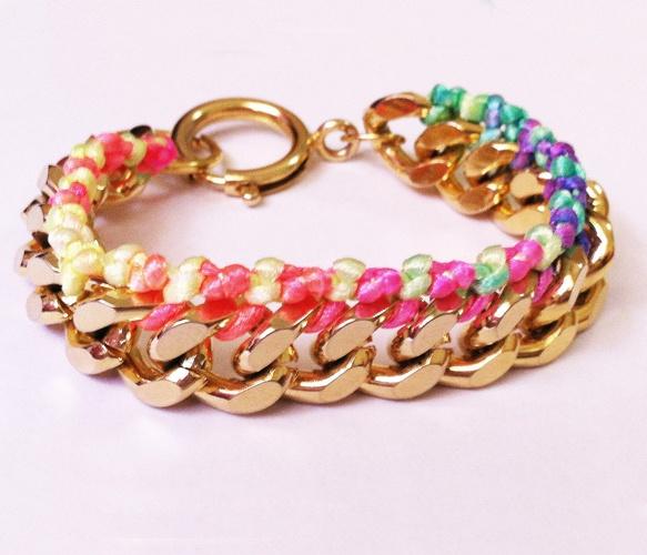 Neon & Chain Friendship Bracelet.Gold Chains, Plates Chains, Chains Bracelets, Gold Plates, 14K Gold, Chains Friendship, Neon Chains, Friendship Bracelets, Rainbows Silk