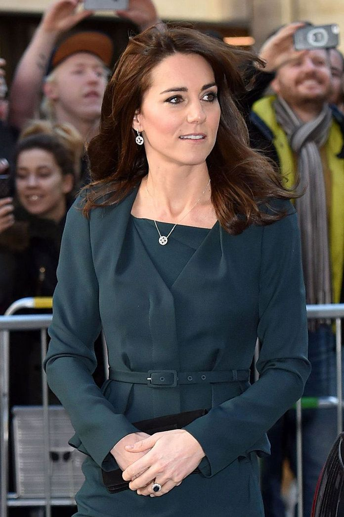 Kate Middleton's hair never looks anything less than uber glossy and princess-chic, but we're so used to her long, chestnut locks that we...