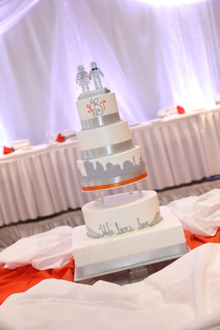 best wedding cake toledo 17 best images about downtowntoledo weddings on 11699