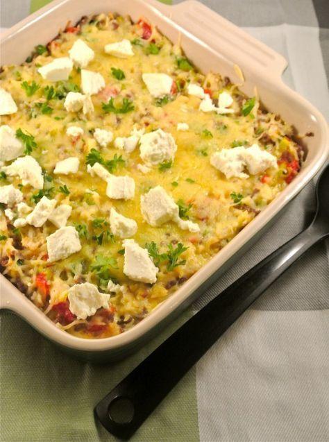 Rijstovenschotel met gehakt, prei, paprika en feta