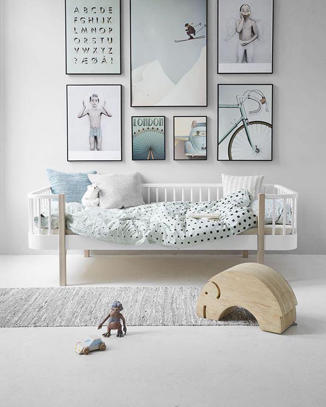 Vía Pinterest Decidirse por un estilo a la hora de decorar la habitación de los niños puede ser algo difícil, por eso siempre tratamos de incluir inspiraciones que os aporten algo. Habéis visto cuartos infantiles con pinceladas de rosa, habitaciones en estilo vintage, en blanco y negro o con todo tipo de coloridos. Lo importante es …