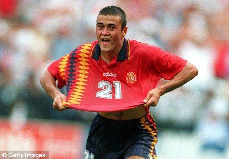 Spain home.  1994 - 1995.  Luis Enrique, Caminero, Guardiola et al.