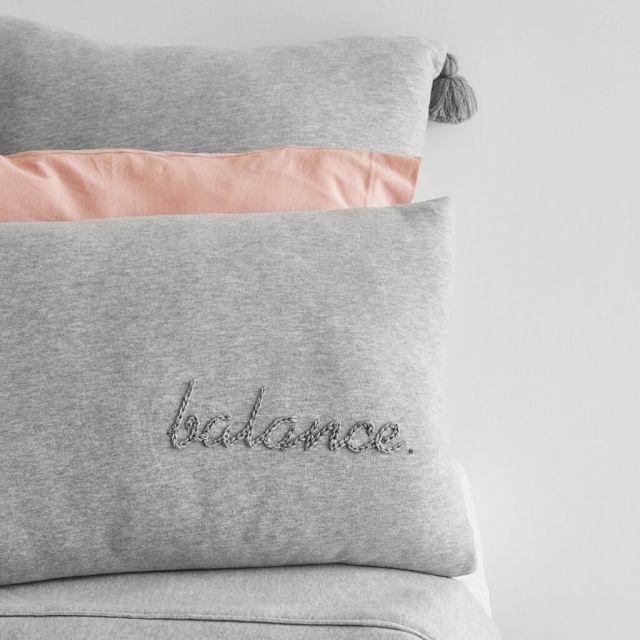 moyha_cushion_balance_grey (7)