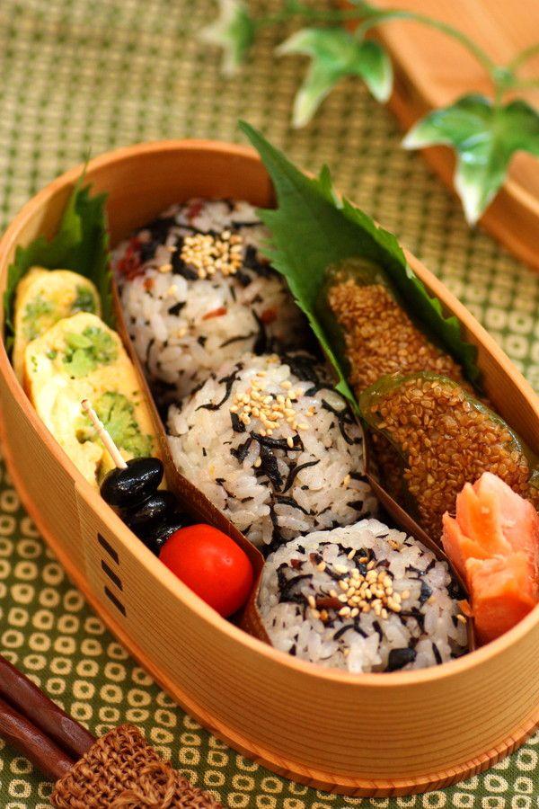 梅とひじきのおにぎり弁当 : Linmal's Kitchen ~金沢の旬の味と毎日のお弁当