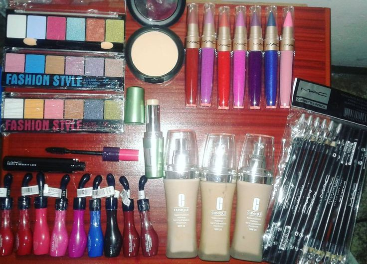 A la venta Maquillaje�� Marcas MAC y CLINIQUE *Corrector de ojeras *Bases *Polvos *Sombras (6 colores) *Rimel o Mascara de pestañas *Lapiz para ojos *Labial o pintura de labios (MATE) Y mas... Para as info!! Por aqui o a los numeros  04142736387- 04241205379 #girls #style #picoftheday #fashion #maquillaje #ready #happy #amazing #cool #photo #good http://www.butimag.com/fashion/post/1483580682047094483_310447399/?code=BSWvMUdDH7T
