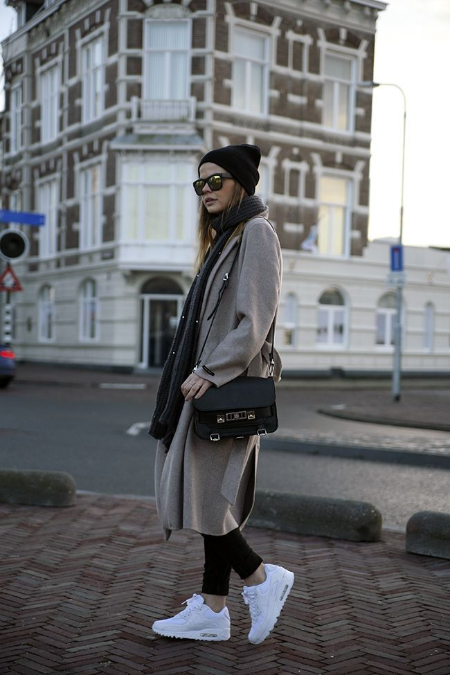 Nike Air Max 90 white sneakers casual chic oversized beige camel coat  proenza schouler ps11 bag beanie mirrored sunglasses streetstyle  fashionblogger ...