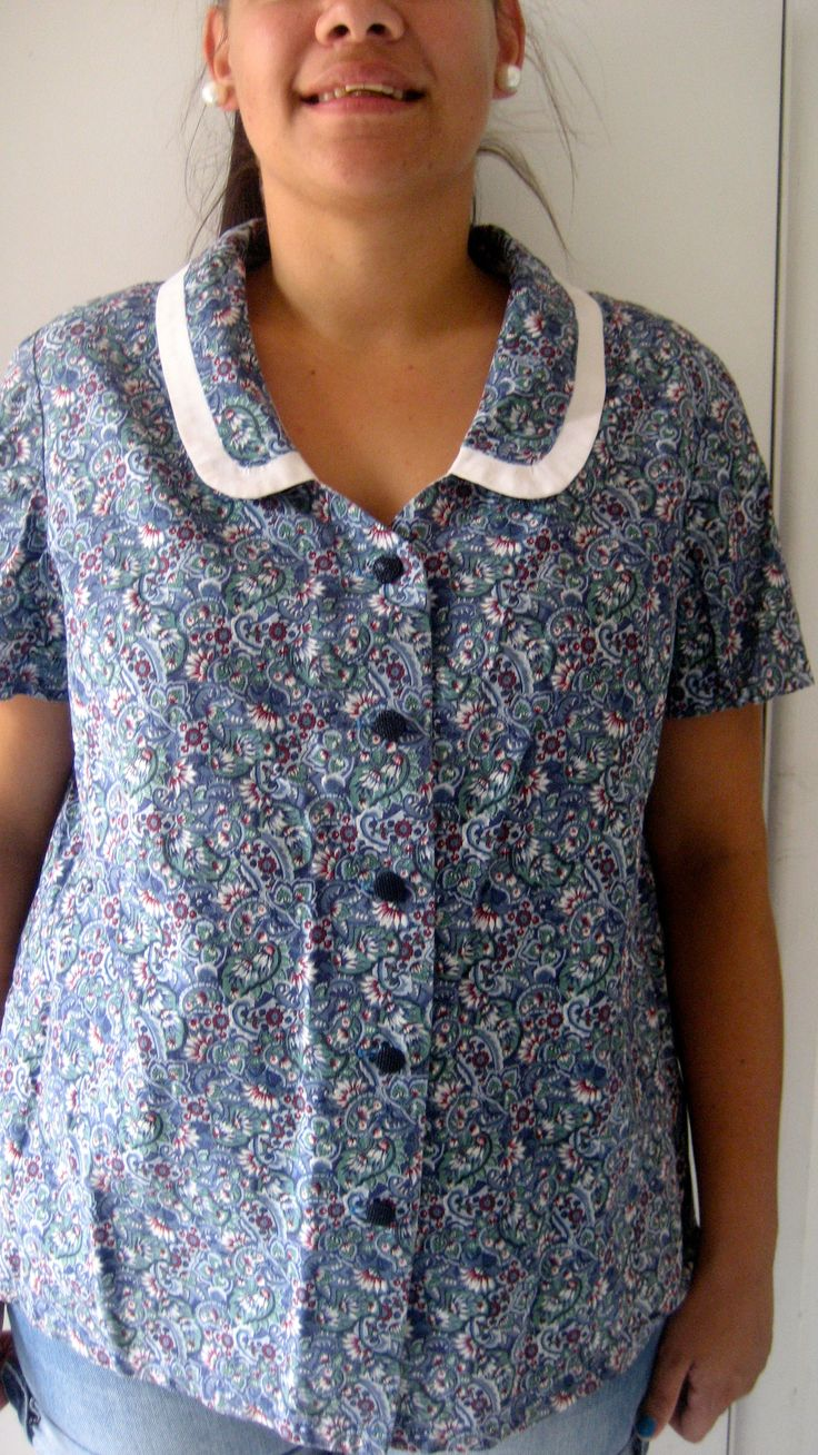 L-XL / AU 12 $25 L: 67cm B: 104cm   Spring summer cotton vintage top with a full button up front and a blue green floral print...