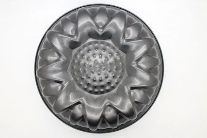 You can now buy Cake Mould Sunflower  online in very suitable price. Bakeware.pk is a bakeware marketplace where you can order online for best baking tools, decorations and cakes.