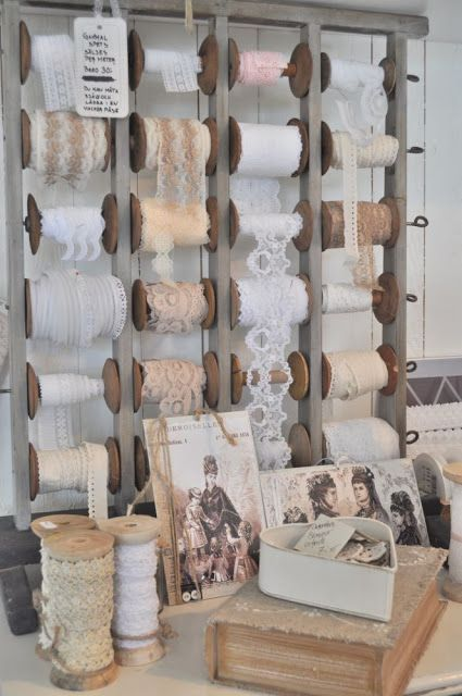I wish I had enough lace to need a way to store it! A drawer suffices at this time. | Inspiration i vitt: Gamla spetsar