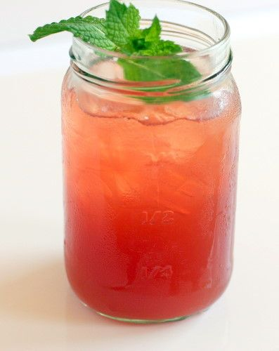 Watermelon Sweet Tea - as tried @ Brendas French Soul Food in SF. delish! similar recipe  to match. swap mint for Basil.