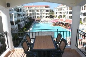 Golden Park Poolside Apartment -  This bargain apartment is situated on a well maintained complex with plenty of facilities including a large communal swimming pool with a children's section, a second pool is also available for residents to use, a Snack Bar, Children's Games area, 24hr security plus a courtesy shuttle bus to the seafront. The property also benefits with a lift so easy access to all apartments. Price: £35,500