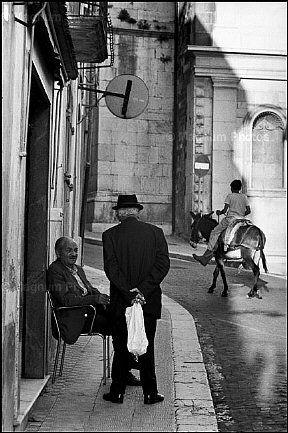 Henri Cartier-Bresson, Pietragalla, 1973